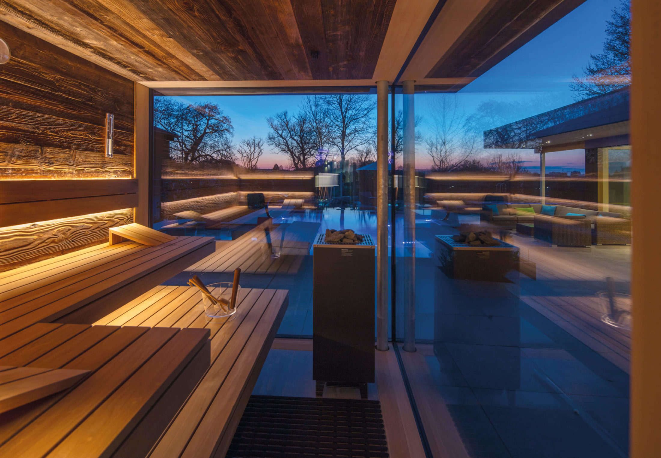 Showrooms indoor + outdoor sauna + steam baths   corso